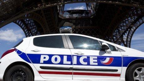 tour-eiffel-police
