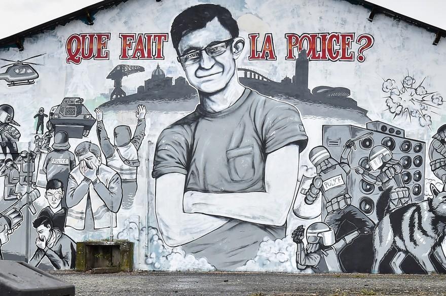 7798127921_une-peinture-murale-representant-steve-maia-canico-un-jeune-fan-de-techno-disparu-lors-d-un-raid-de-police-controverse-photographiee-le-30-juillet-2019-a-nantes.jpg